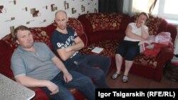 Участники голодовки: Евгений Салтынюк, Максим Леконцев, Наталья Добровольская