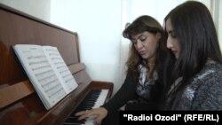 Саида Рустамова на работе