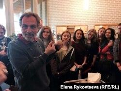 Студенты из БГУ в институте Fojo: лекция про булочки!