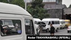 Грузинское правительство настаивает на проведении тендера, утверждая, что это послужит интересам водителей и пассажиров