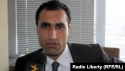 خادم: تقابل میان قوه اجرائیه و مقننه افغانستان به ضرر حکومت و مردم افغانستان است.