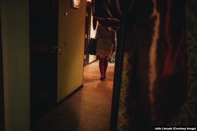 """Секс-работницы на тренинге в движении """"Серебряная Роза"""" в Санкт-Петербурге"""