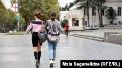 Согласно «традициям», девочки в Грузии чаще всего воспринимаются как объект деторождения и помощницы по хозяйству