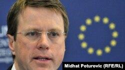 Министерот за надворешни работи на Словенија Семуел Жбогар