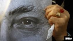 مراسم تشییع پیکر همایون خرم به روایت تصویر