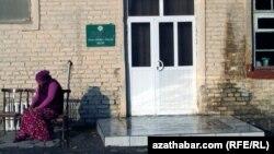 Türkmenistandaky hassahanalaryň biri