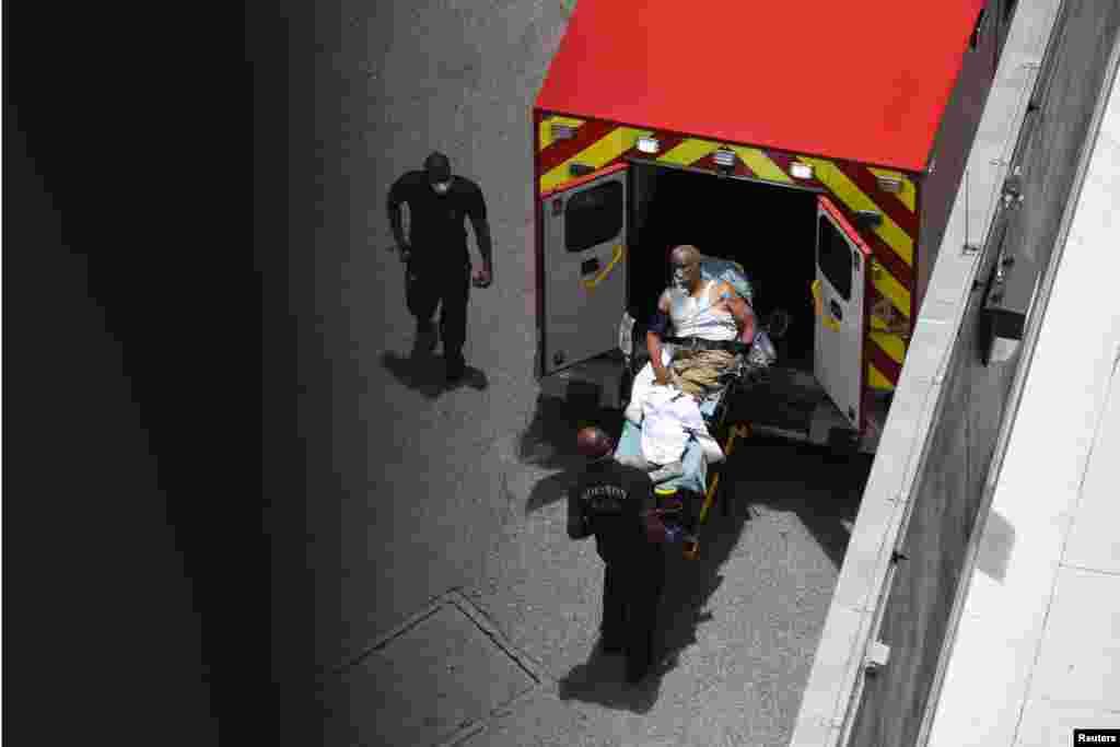 Пациент в Хьюстонской больнице скорой помощи. Хьюстон, штат Техас