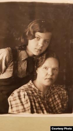 Мэри и Ольга Линтунены