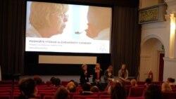 Iubire și cuvinte goale: un film despre Alzheimer