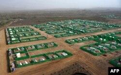 په شمالي وزیرستان کې د عملیاتو له وجې تر یو میلیون زیات خلک بې کوره شوي ول چې پکې زیاتره یې د بنو د بکه خېلو په کیمپ کې اوسېدل - د ارشیف انځور