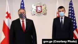 В сряда държавният секретар на САЩ Майк Помпео (вляво) се срещна с министър-председателя на Грузия Георгий Гахария.