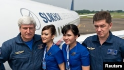 """Sukhoi Superjet - 100"" экипажы Жакарта аба майданында, 9-май, 2012"
