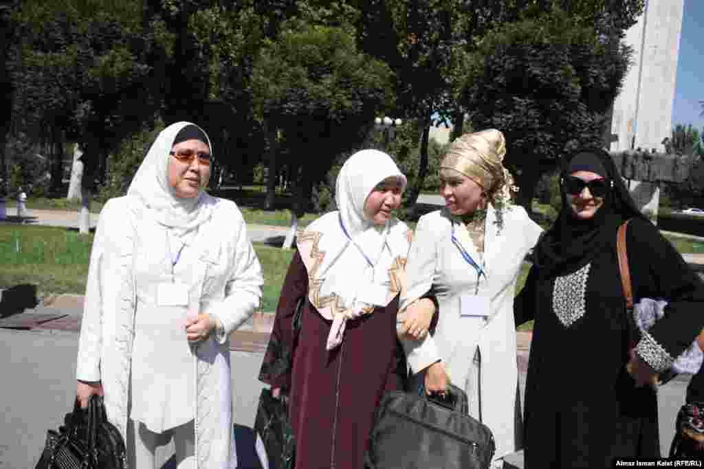 Представительницы женских мусульманских организаций