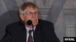 U.S.-- Johnson, Ross, a Senior Advisor to the RFE/RL President; Woodrow Wilson International Center, Washington, 25May2006.