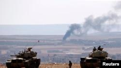 تانکهای ترکیه که مشرف بر کوبانی هستند.