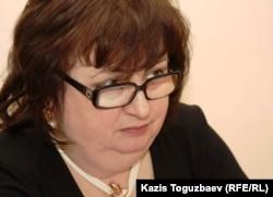 Гүлжан Ерғалиеваның адвокаты Елена Ребенчук. Алматы, 1 қараша 2011 жыл