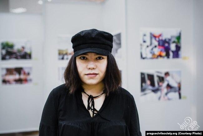 Зэрэ Асылбэк, сьпявачка фэміністка з Кыргызстана
