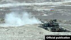 Azərbaycan tankı hərbi təlim zamanı, 2014