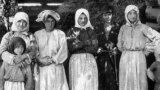 Жители горной деревни. 1890-е. Фото В. Селлы