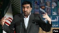 عادل آذر میگوید که در موضوع حقوقهای «نامتعارف» ۴۹۲ نفر از مدیران همه دستگاههای کشور «مرتکب تخلف شدهاند».
