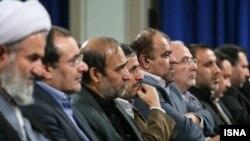 محمود احمدی نژاد در جلسه با جمعی از نمایندگان مجلس