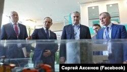 Выставка инвестиционного потенциала Крыма на «Ялтинском международном экономическом форуме». Ялта, 20 апреля 2017 года