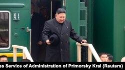 Ким Чен Ын на пограничной станции Хасан, Россия, 24 апреля 2019 года