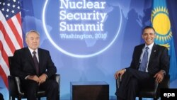 Meeting with his Kazakh counterpart Nursultan Nazarbaev (left), U.S. President Barack Obama said the two share a vision of a world without nuclear weapons.