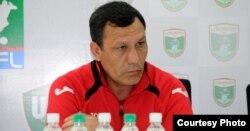 Ҳаким Фузайлов, сармураббии мунтахаби футболи Тоҷикистон.