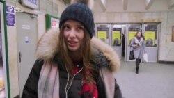 У Київському метро пройшла акція – вірш Шевченка в обмін на жетон (відео)
