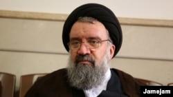احمد خاتمی حجاب را از ضروریات دین خوانده و گفته است که هدف از طرح اجباری بودن حجاب، خراب کردن دین است.