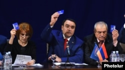Armenia - Artur Baghdasarian (C) holds the founding congress of his new party, the 'Armenian Renaissance Association, Yerevan, 21Feb2016.