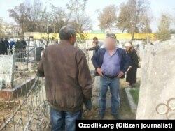 Андижанские учителя наводят порядок на кладбище, где похоронен дед губернатора Санкт-Петербурга Георгия Полтавченко.