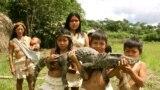 Copii din tribul amerindian Waorani, Parcul Național Yasuni