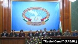 ЦВК Таджикистану оголошує перші попередні результати виборів, Душанбе, 2 березня 2015 року