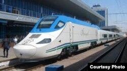 Поезд «Тальго» на вокзале в Узбекистане. Иллюстративное фото.