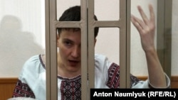 Украинский военный пилот Надежда Савченко в суде по ее делу. Донецк, 2 марта 2016 года.