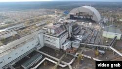 Новый саркофаг будет установлен над поврежденным реактором Чернобыльской АЭС.