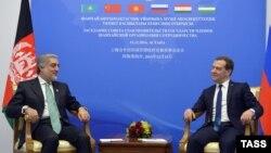 Kryeministri rus, Dmitry Medvedev dhe homologu i tij afgan, Abdullah Abullah