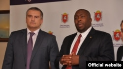 2014 елның декабрендә Зимбабве делегациясе Кырымда булып Сергей Аксенов белән очрашты
