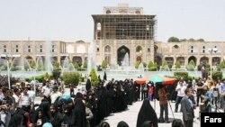 یکی از حوزههای رای در اصفهان