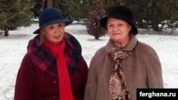 Аделаида Ким (сол жақта) және құқық қорғаушы Елена Урлаева.