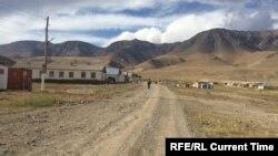 У минулі роки кордон Киргизстану і Китаю також закривали на китайський Новий рік, але з боку Китаю. Цього року ініціатором закриття був саме Киргизстан