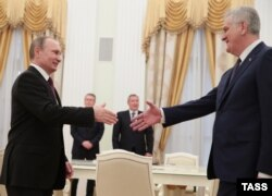 Владимир Путин принимает в Крмле президента Сербии Томислава Николича. Март 2016 года
