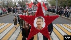 Портрет Сталіна в окупованому Севастополі. 9 травня 2017 року