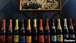 Бутылки игристого вина произведенного на крымском заводе «Новый Свет», 27 марта 2014 года