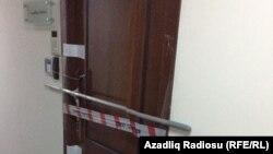 AzadlıqRadiosunun möhürlü qapısı
