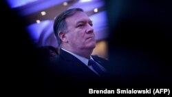وزیر خارجه آمریکا در ۲۱ آذر ماه سال پیش نیز در نشستی شورای امنیت سازمان ملل گفته بود واشینگتن در تلاش است تا با همکاری ۱۴ عضو دیگر این شورا، محدودیتهای موشکی بالستیک را برای ایران دوباره برقرار کند.