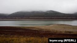 Дорога по дну: как сейчас выглядит обмелевшее Партизанское водохранилище (фотогалерея)