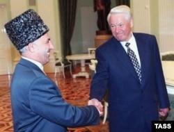 Аслан Масхадов и Борис Ельцин в Кремле, 18 августа, за 2 недели до подписания Хасавюртовских соглашений